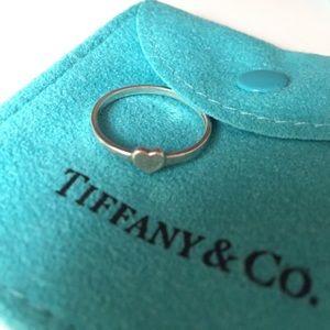 💯 Authentic Tiffany & Co. Tiny Heart Ring